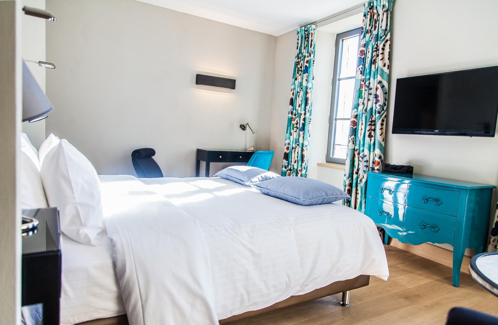 syrah chambre de charme la d coration raffin e bastide saint julien. Black Bedroom Furniture Sets. Home Design Ideas