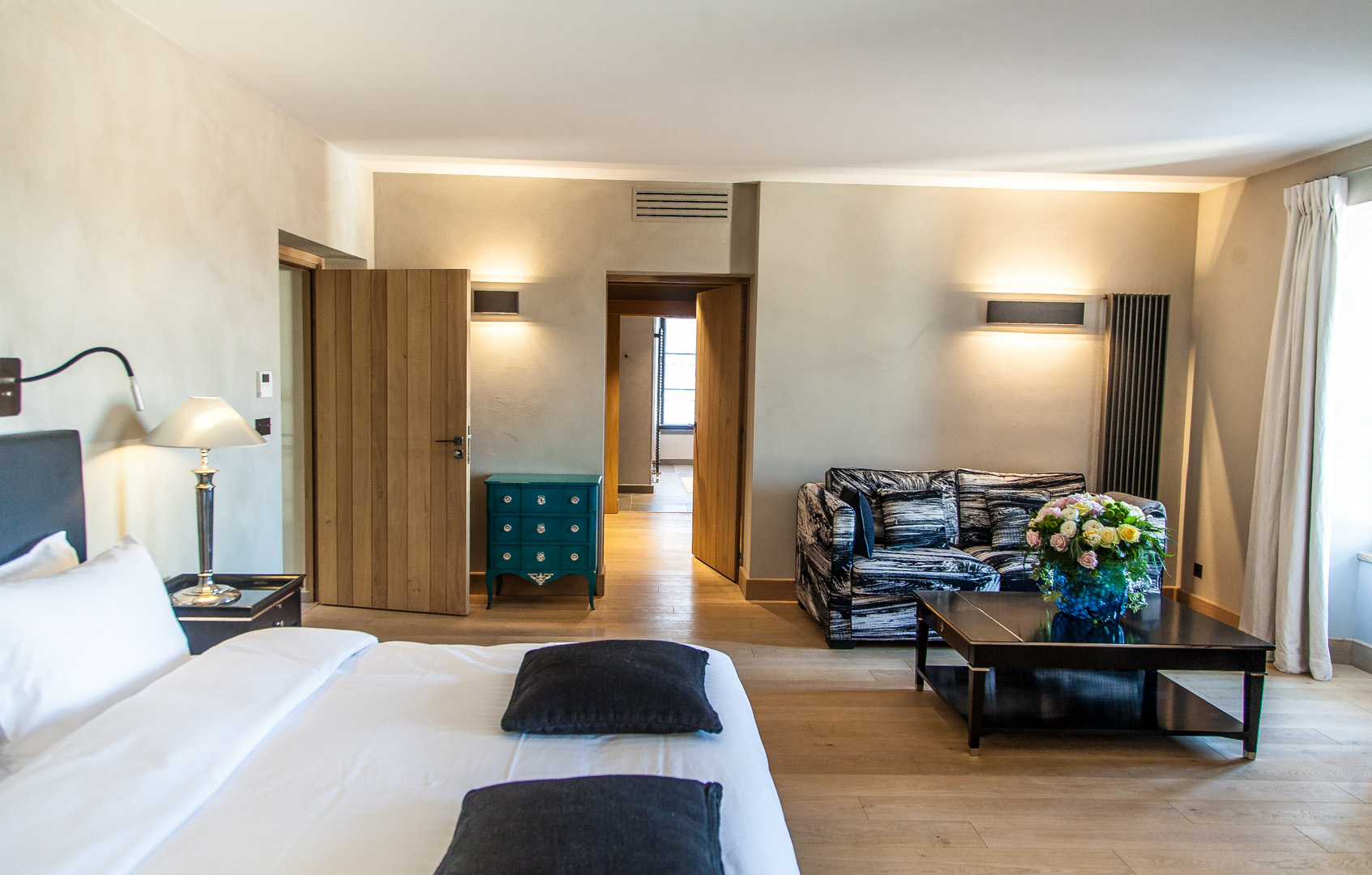 picholine chambre de caract re spacieuse et d cor e avec grand soin. Black Bedroom Furniture Sets. Home Design Ideas
